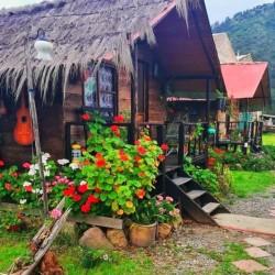 Las Cabañas, Mongui